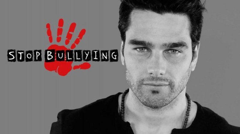 El modelo que supero el bullying